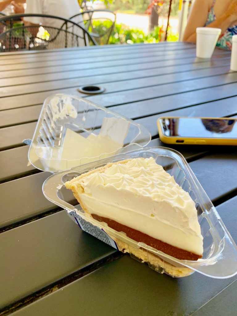 honolulu, waikiki, gorgeous beaches, palm trees, hawaii, sunglasses, hang loose, oahu, coconut chocolate pie, ted bakery