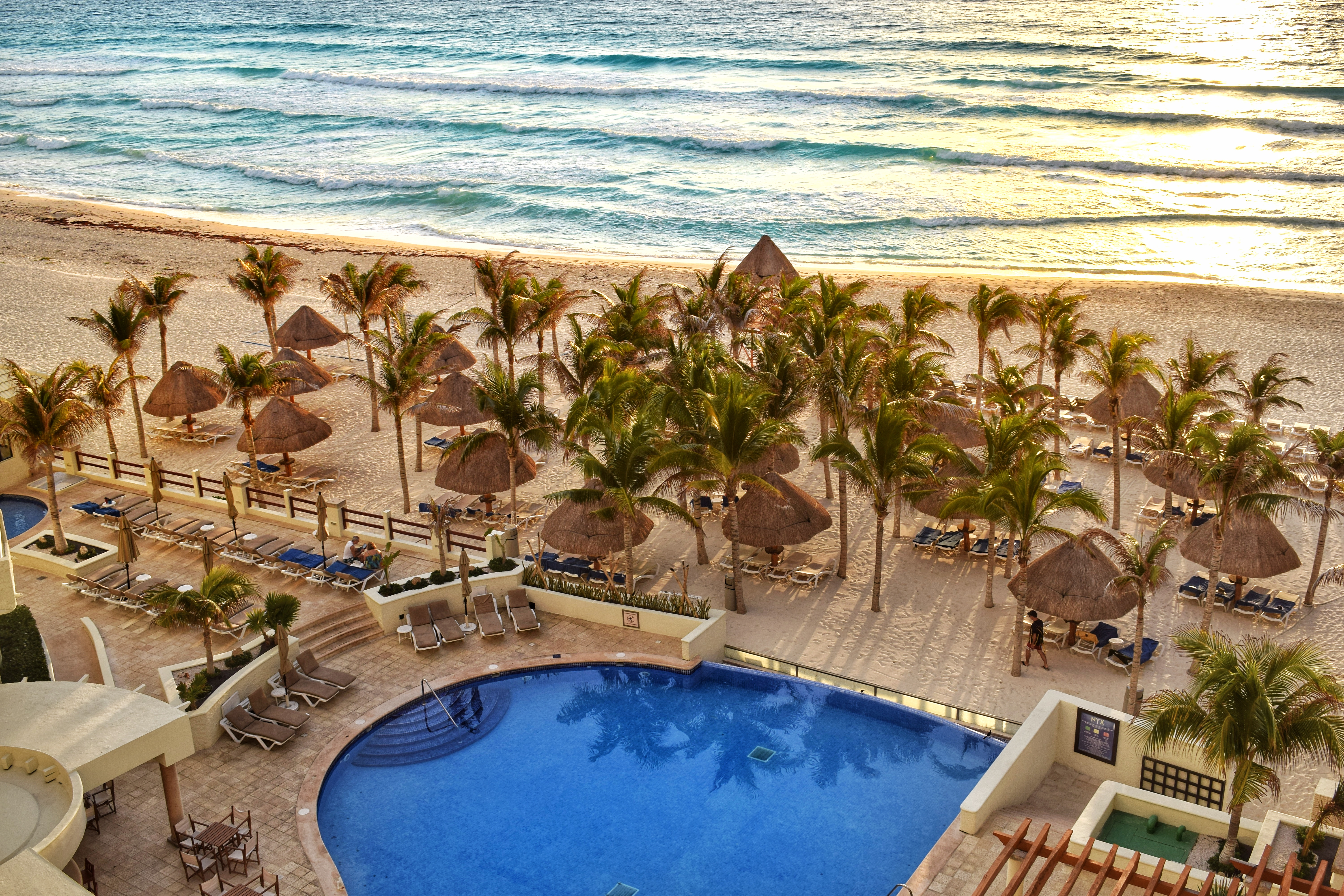 white sand beaches of cancun mexico, paradise island, resorts on hotel zone