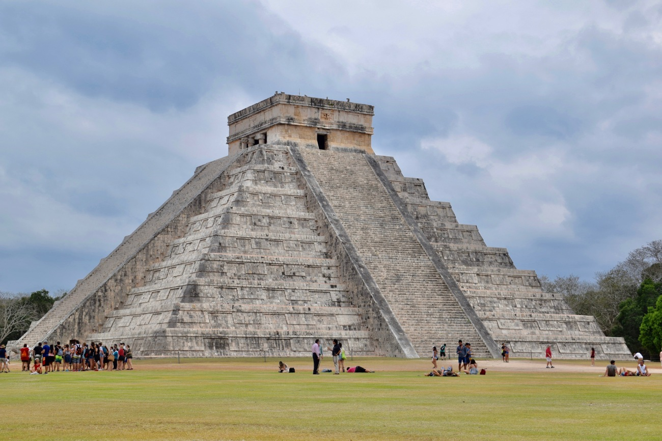 white sand beaches of cancun mexico, paradise island, resorts on hotel zone, chichen itza, seven wonders of the world