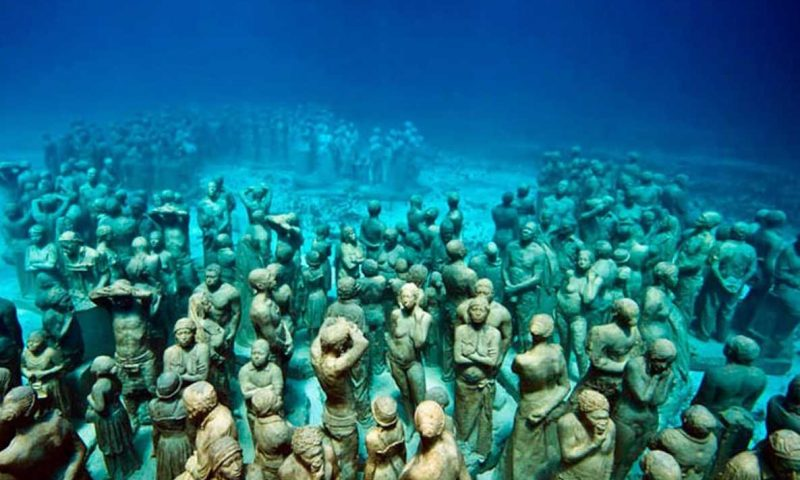 white sand beaches of cancun mexico, paradise island, resorts on hotel zone, cozumel, scuba diving, school of fish, sea turtle, musa, underwater museum