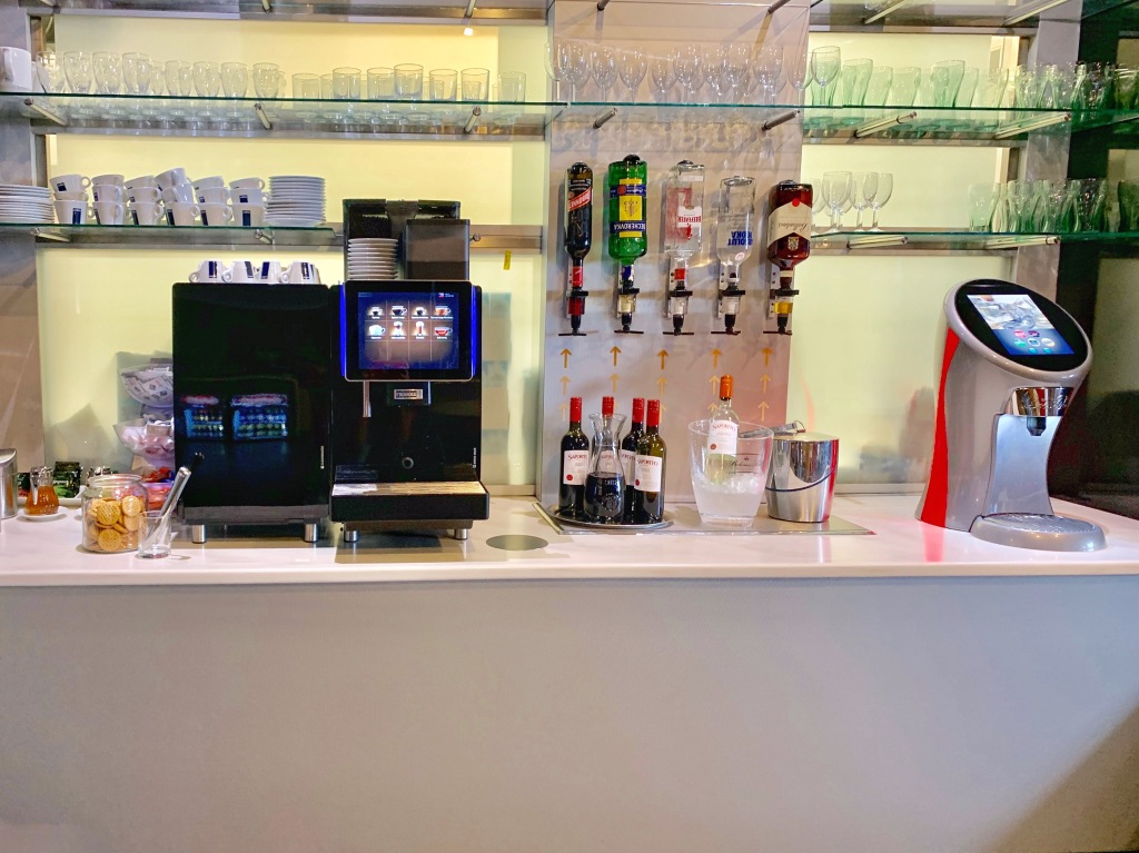 Mastercard Lounge self-service bar